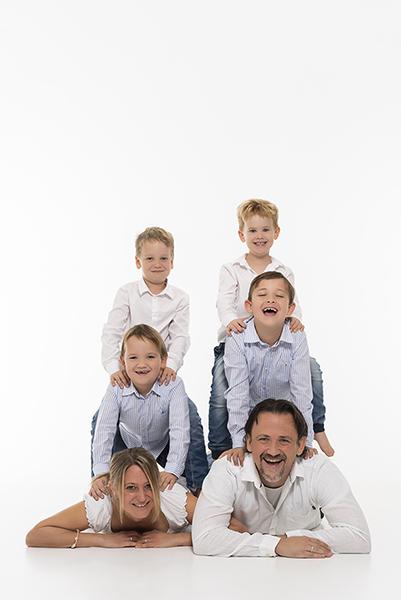 Familie in der Kiste