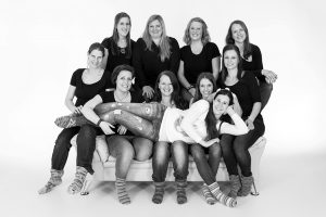 Fotoshooting, Shooting, Fotostudio, Studio, Diez, Limburg, Hahnstätten, Holzheim, Fotos, Fotografien, Fotograf, Foto, klassisch, emotional, schön, modern, Familie, Fotografie Verena Schäfer, locker, Porträt, Portrait, Porträtshooting, Frauen, Gruppe, junggesellinnenabschied, Abschied Junggesellinnen, Party, witzig, Braut,