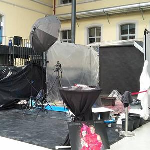 Farbshooting, Farbe, Farbenshooting, liquid, color, außergewöhnlich, speziell, Spezial, Aktion, Shooting, Fotostudio, Studio, Diez, Limburg, Hahnstätten, Holzheim, Fotos, Fotografien, Fotograf, Foto, gefühlsvoll, exklusiv, elegant, extravagant, emotional, gefühlsbetont, schön, modern, Frau, WERKStadt Limburg, Limburg, live, Öffentlichkeit, Aktion, Event, Model, Aufbau, Setting, Stand