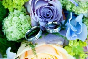 Hochzeit, Paar, Heirat, Foto, Fotoshooting, Shooting, Aarbergen, romantisch, verliebt, Romantik, heiraten, wedding, ja, schönster tag, Glück, glücklich, klassisch, gefühlsvoll, exklusiv, extravagant, frech, lässig, lustig, Hochzeitsfotos, Hochzeitsfotografien, emotional, gefühlsbeton, Momente, Tag, elegant, Liebe, Kleid, Brautkleid, Braut, Bräutigam, Brautpaar, Fotos, Fotografien, Fotograf, Fotostudio, schön, modern, Hochzeitsfotografin, Diez, Limburg, Hahnstätten, Holzheim, Gefühle, Emotionen, outdoor, draußen, location, Strauß, Blumen, Ringe, Ring, Stillleben