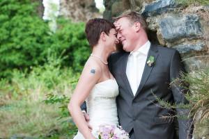Hochzeit, Paar, Heirat, Foto, Fotoshooting, Shooting, romantisch, verliebt, Romantik, heiraten, wedding, ja, schönster tag, Glück, glücklich, klassisch, gefühlsvoll, exklusiv, extravagant, frech, lässig, lustig, Hochzeitsfotos, Hochzeitsfotografien, emotional, gefühlsbeton, Momente, Tag, elegant, Liebe, Kleid, Brautkleid, Braut, Bräutigam, Brautpaar, Fotos, Fotografien, Fotograf, Fotostudio, schön, modern, Hochzeitsfotografin, Diez, Limburg, Hahnstätten, Holzheim, Gefühle, Emotionen, Burg, Ardeck, outdoor, draußen, location, Natur, grün, Mauer, Koftschmerzen, Schmerzen, fun