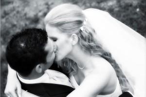 Hochzeit, Paar, Heirat, Foto, Fotoshooting, Shooting, romantisch, verliebt, Romantik, heiraten, wedding, ja, schönster tag, Glück, glücklich, klassisch, gefühlsvoll, exklusiv, extravagant, frech, lässig, lustig, Hochzeitsfotos, Hochzeitsfotografien, emotional, gefühlsbeton, Momente, Tag, elegant, Liebe, Kleid, Brautkleid, Braut, Bräutigam, Brautpaar, Fotos, Fotografien, Fotograf, Fotostudio, schön, modern, Hochzeitsfotografin, Diez, Limburg, Hahnstätten, Holzheim, Gefühle, Emotionen, Burg, Ardeck, outdoor, draußen, location, Natur, Kuss, küssen