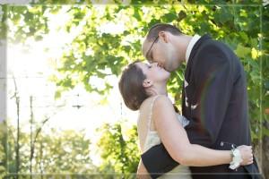 Schloß Oranienstein, Hochzeit, Paar, Heirat, Foto, Fotoshooting, Shooting, romantisch, verliebt, Romantik, heiraten, wedding, ja, schönster tag, Glück, glücklich, klassisch, gefühlsvoll, exklusiv, extravagant, frech, lässig, lustig, Hochzeitsfotos, Hochzeitsfotografien, emotional, gefühlsbeton, Momente, Tag, elegant, Liebe, Kleid, Brautkleid, Braut, Bräutigam, Brautpaar, Fotos, Fotografien, Fotograf, Fotostudio, schön, modern, Hochzeitsfotografin, Diez, Limburg, Hahnstätten, Holzheim, Gefühle, Emotionen, outdoor, draußen, location, Natur, Sonne,